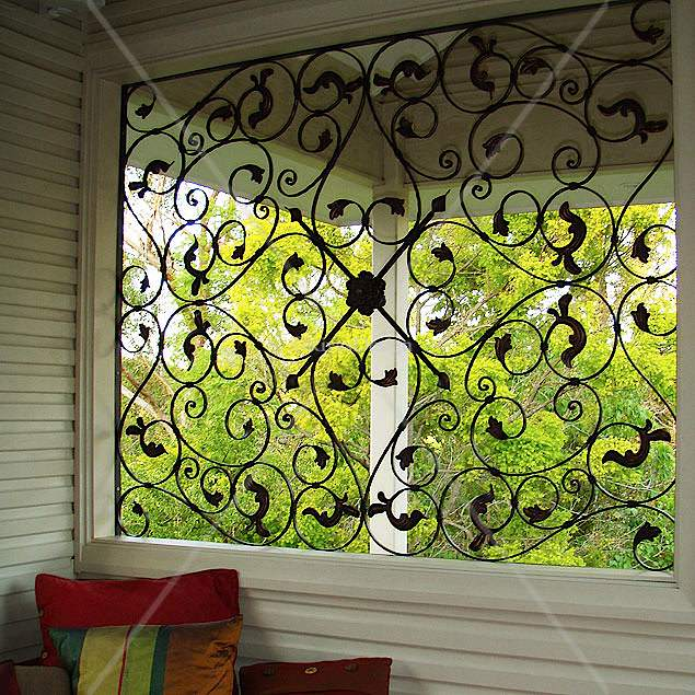 X Large 1100 Trellis Outdoor Wall Art